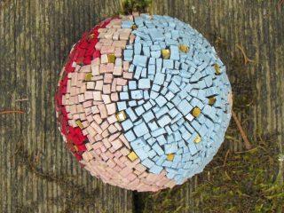 Kugelobjekt – Gold-Mosaik