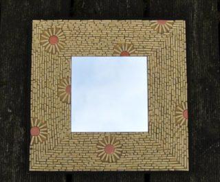 Spiegel im Natursteinlook